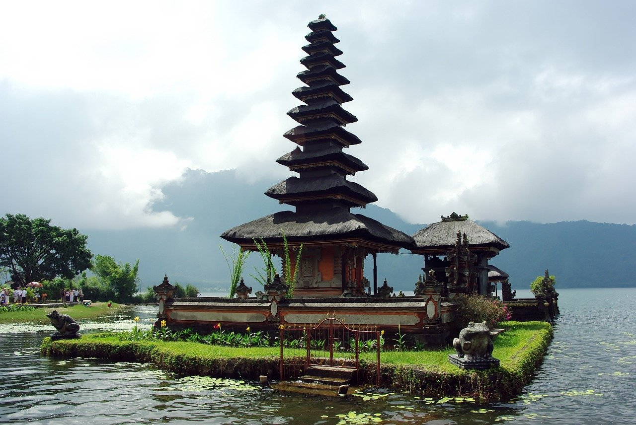 Слетать весной на Бали