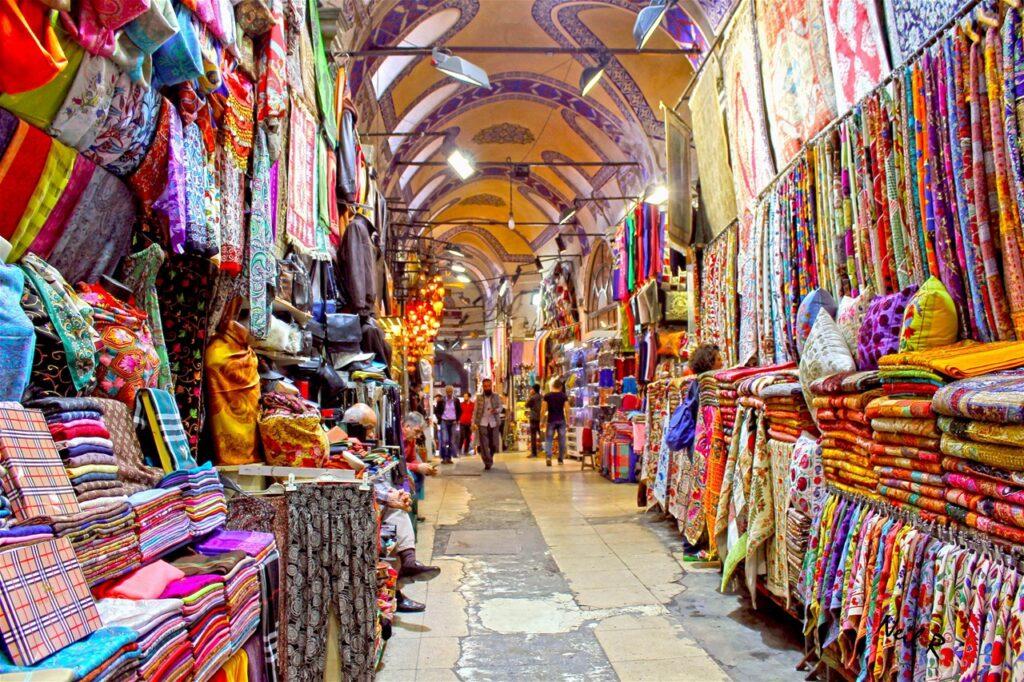 Текстиль на рынке Гранд Базар