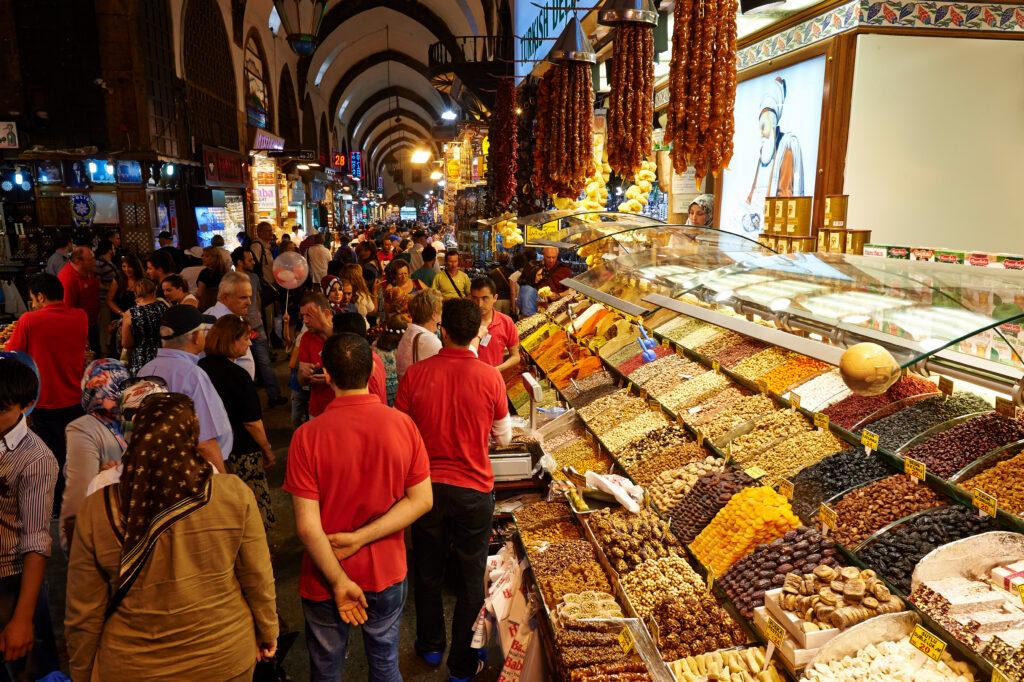 Восточные сладости на рынке Гранд Базар