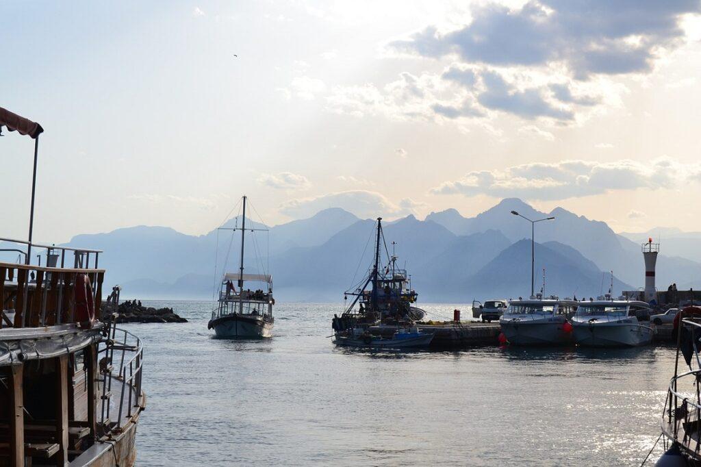 Корабли в порту Антальи