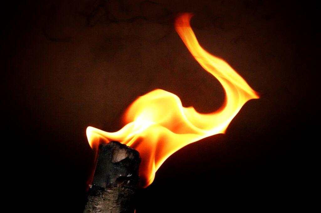 Факел на горе Янтараш