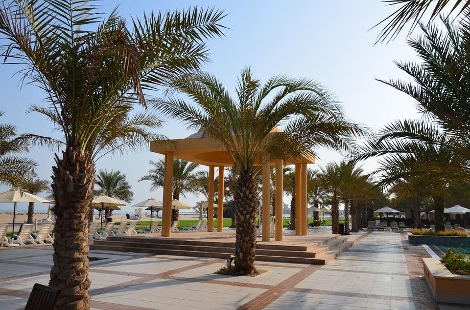 Территория отеля в Рас-аль-Хайме