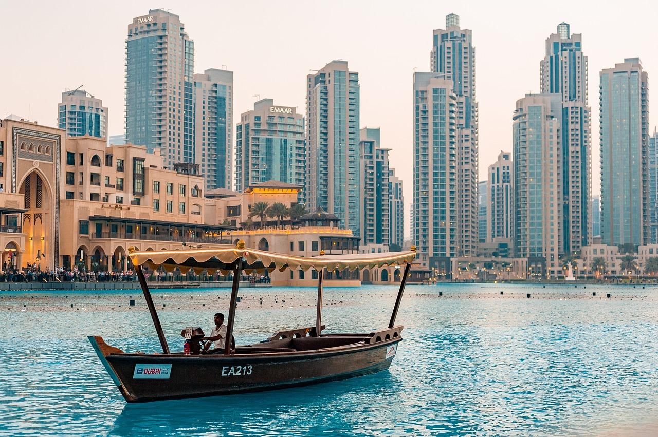 Водный канал Дубай-Крик