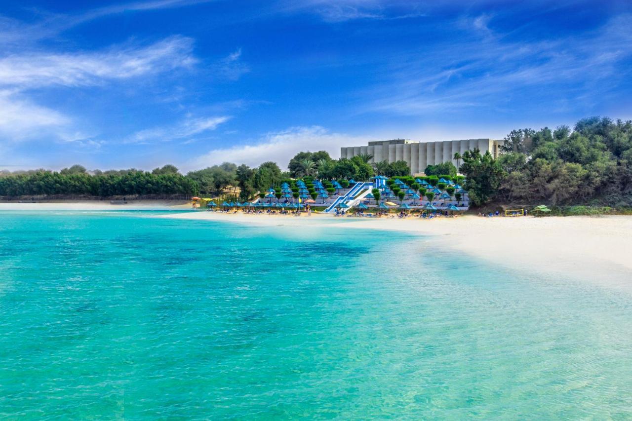 Пляж BM Beach Hotel 4*, в Рас-эль-Хайме