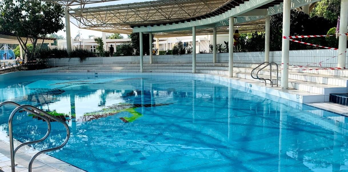 Бассейн в Al Mamzar