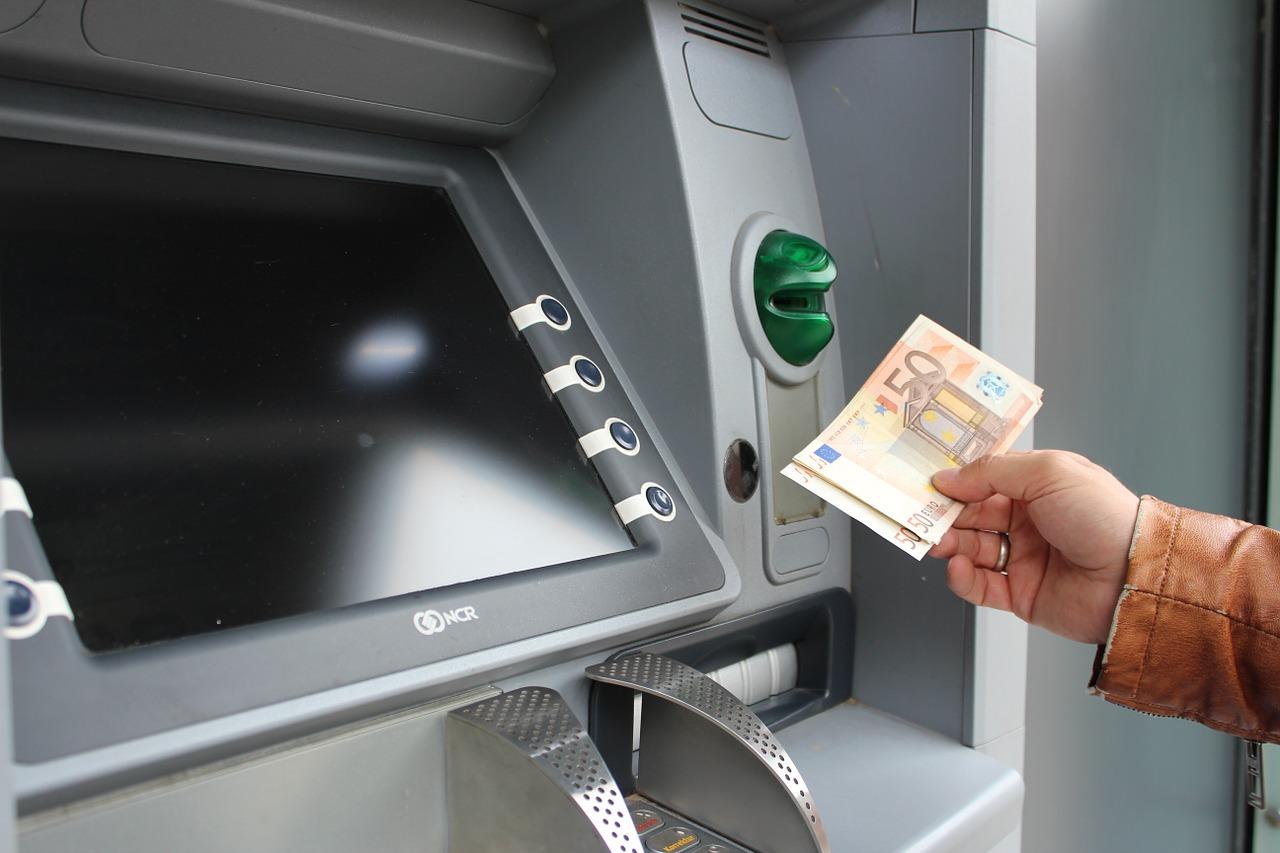 Бесплатное снятие любой валюты
