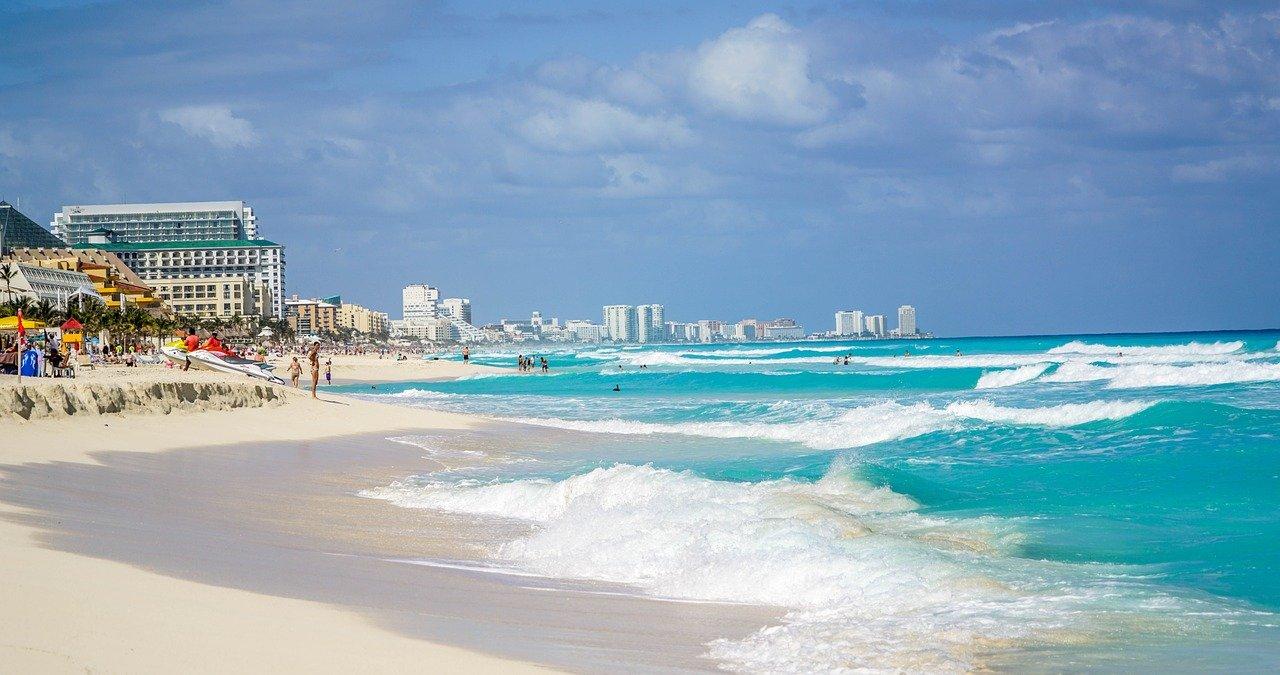 Пляж Дельфин, Канкун