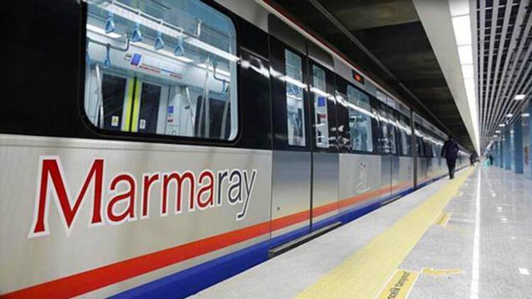 Электропоезд Marmaray в Стамбуле.