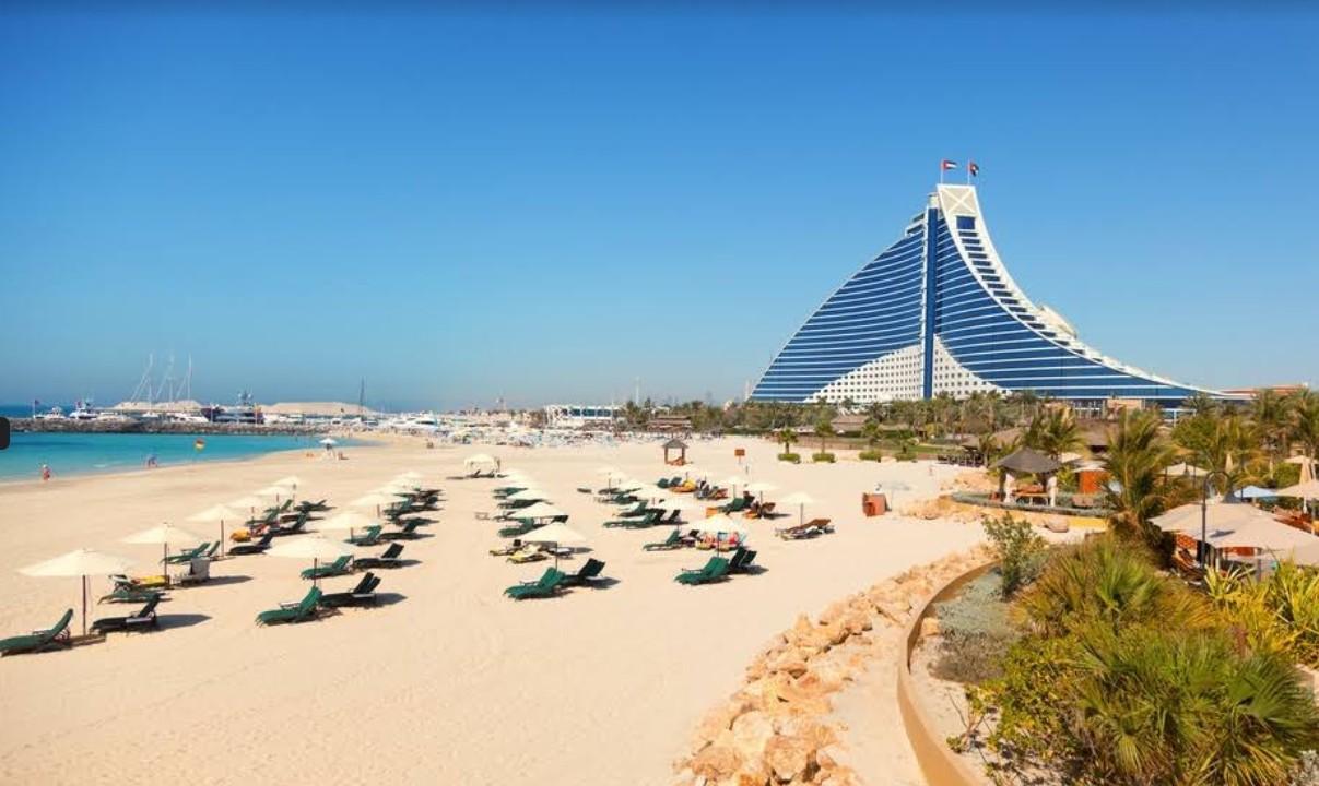 Частный пляж на территории отеля