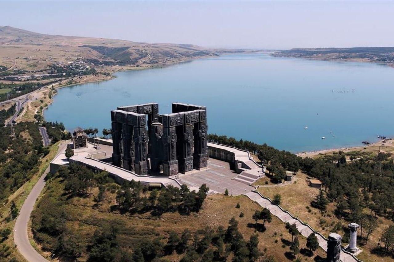 Монумент «История Грузии»