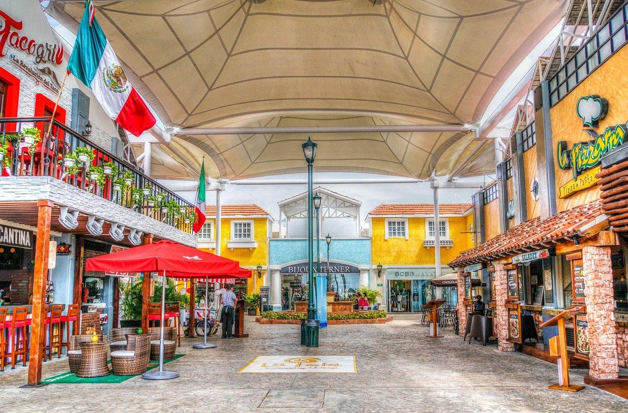 Магазины и рестораны в Мексике