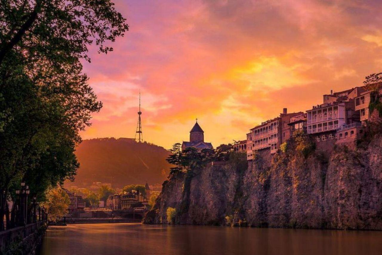 Закат в Тбилиси