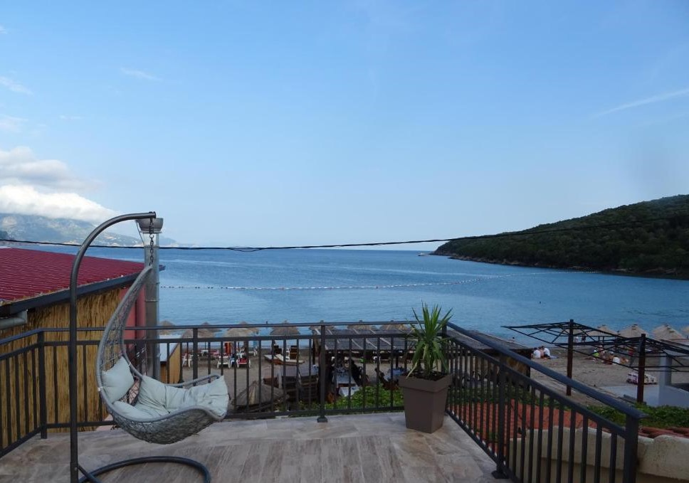 Вид на пляж Яз из отеля Apartment Boss