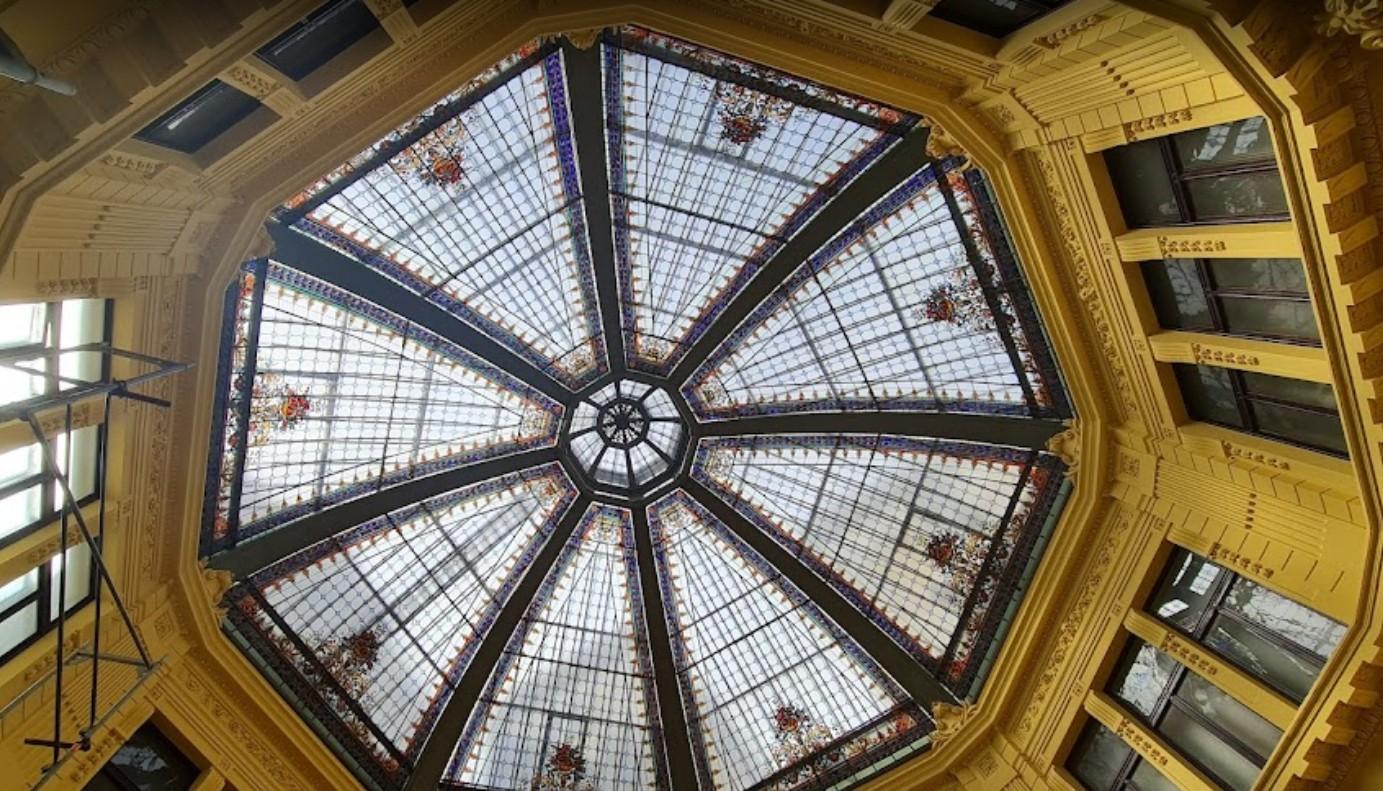 Знаменитый купол Октогона
