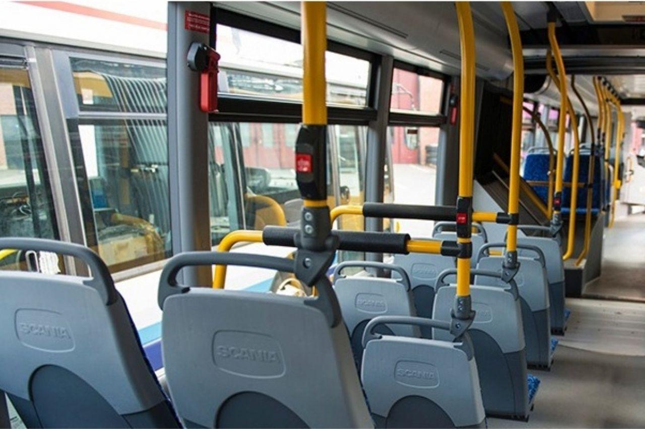 Салон городского автобуса