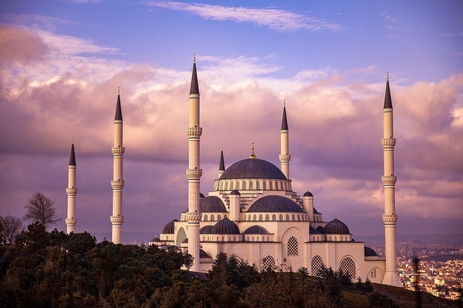 Как отмечают Новый год в Турции