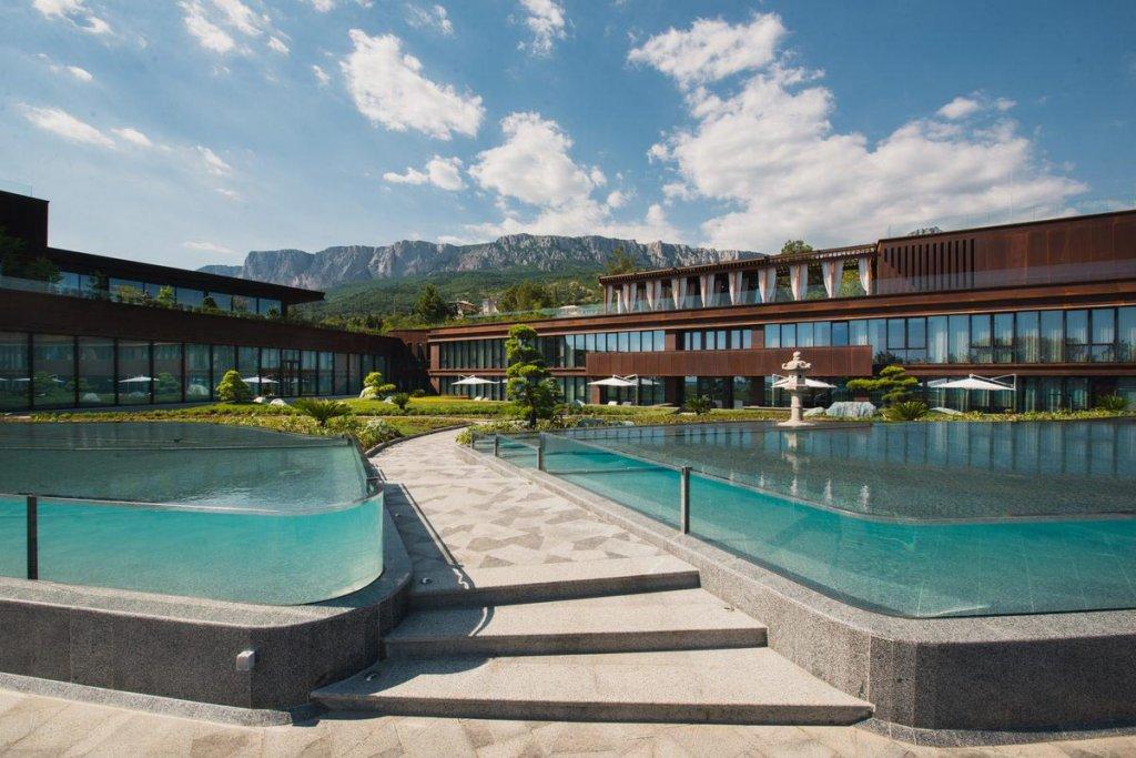 Размещение с новогодней программой в Mriya Resort &Spa 5*