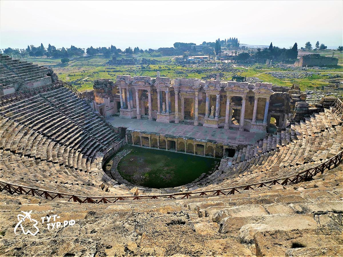 Древний колизей Иераполиса